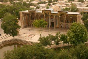 Bolo-Hauz_Mosque2