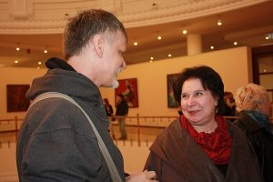 Беседа. Ю.Усеинов и Л.Кадзаева