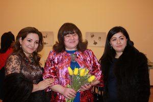 Лола Алимова  и подруги