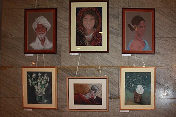 Экспозиция работ г-жи Ранма Сарма