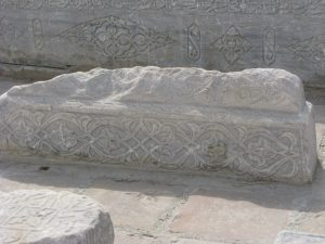Надгробные камни у Ходжи Ахрара. Самарканд.1