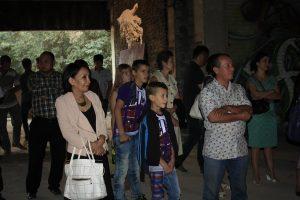Посетители выставки М.Варданяна 1