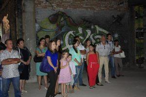 Посетители выставки М.Варданяна