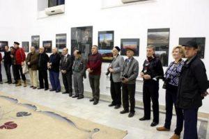 На открытии выставки. Фото с сайта АХУз