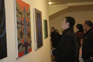 На выставке -4
