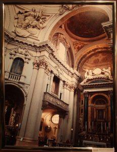 Верона, Италия. Интерьер Церкви 17 века в стиле барокко