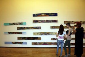 На выставке -2