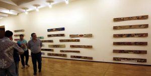 На выставке -9