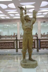 Паруб Михаил.  Фархад призывающий. 1987