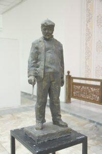 Паруб Михаил.  Портрет художника Б.Бабаева. 1980