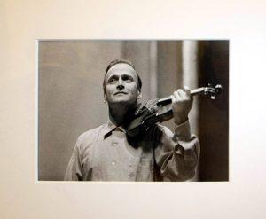 Arno Fisher. Скрипач Иегуди Менухин, Лейпциг. 1959