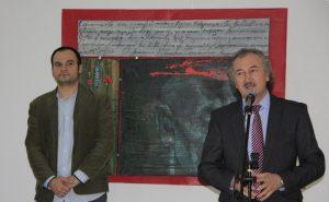 А.Нур открывает выставку Т. Рахметова.