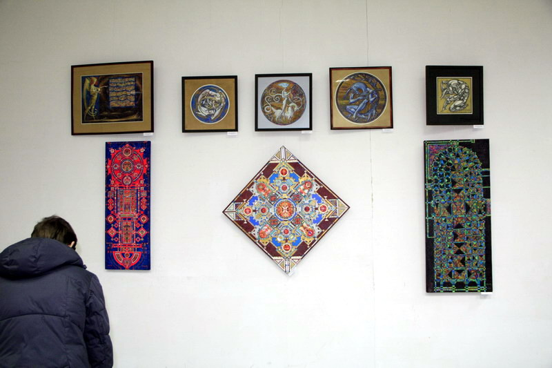 Экспозиция работ Василия Хапова
