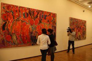 На выставке 5