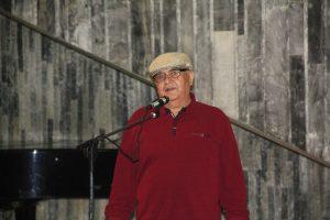 Баходир Джалал на открытии выставки «Мир внутри тишины» .