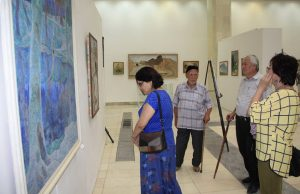 На выставке А. Перова