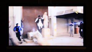 unichtozhenie-islamistami-skulptury-v-muzee-sirii-2