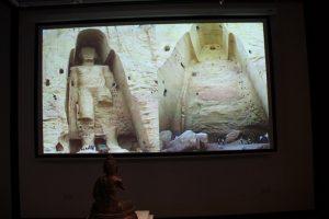 unichtozhenie-statuj-buddy-v-bamiane-afganistan-2001-g