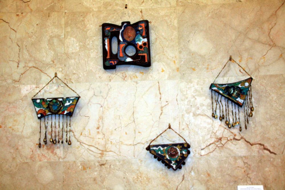 Баят Мухтаров. Магический бонсарт. Дерево, алюминий, смальта. Из коллекции А.Назарова и НБУ