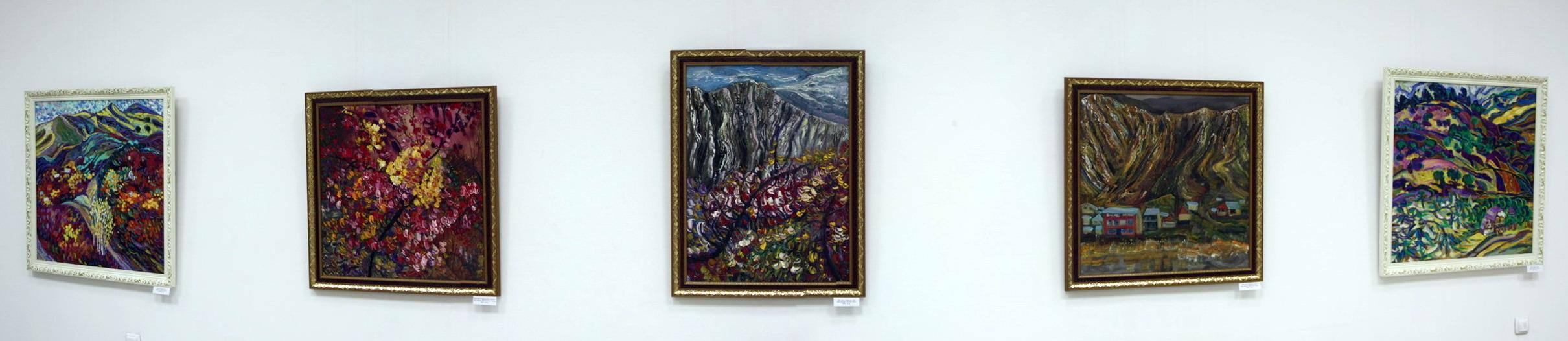 Шин Искра. Экспозиция картин