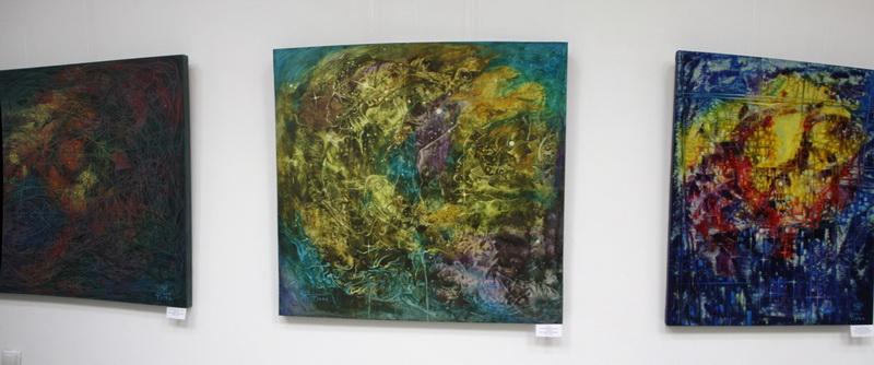 Экспозиция картин Л. Тиоры