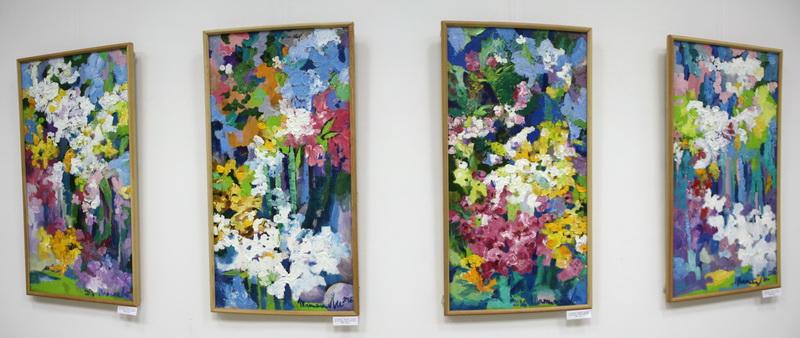 Экспозиция картин Т. Ли.
