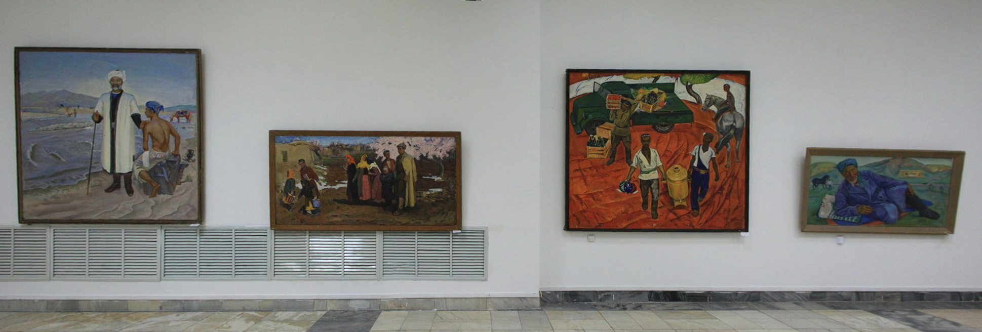 Бабаев Б. Экспозиция картин 2.