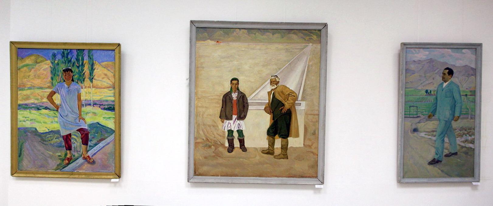 Бабаев Б. Экспозиция картин 1.