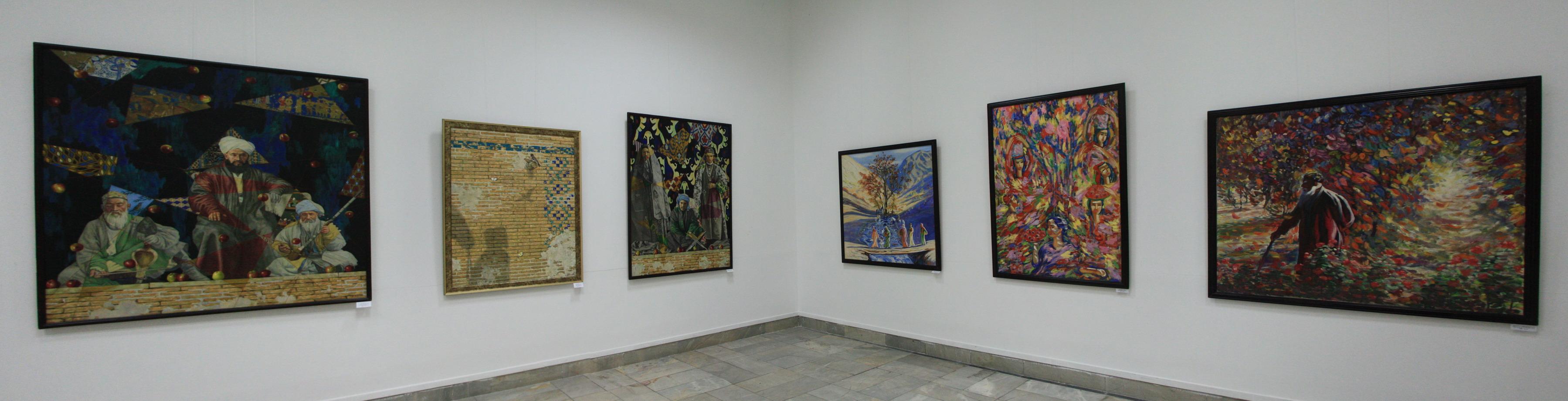Акмаль Икрамджанов и Имъяр Мансуров. Экспозиция картин.