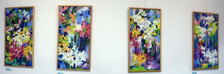Татьяна Ли Экспозиция картин с цветами.