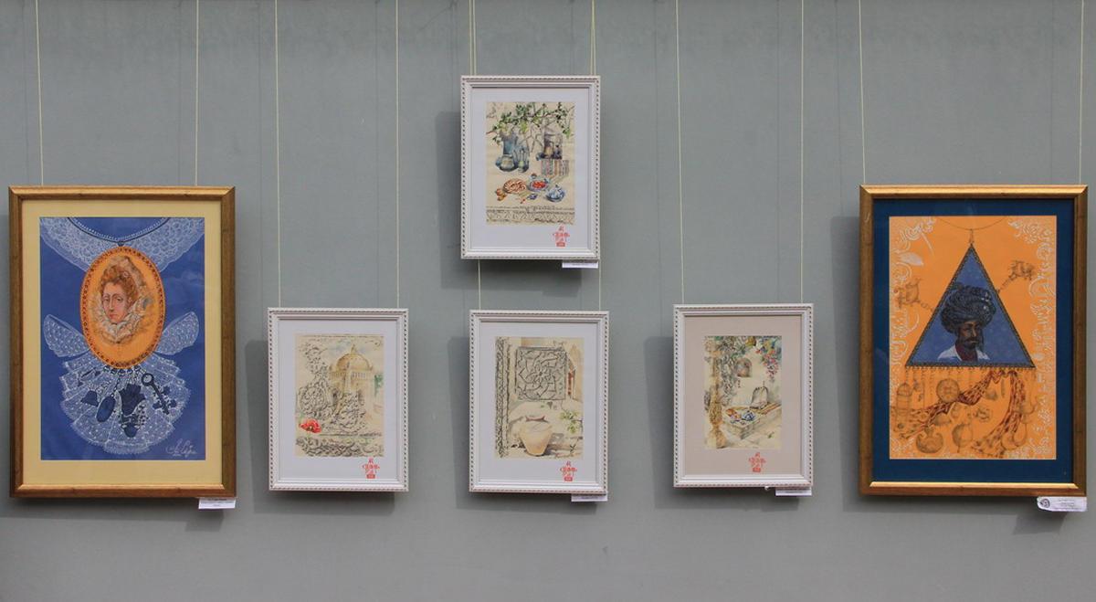 Экспозиция работ Ли Татьяны и Сафи-Ли Марии.