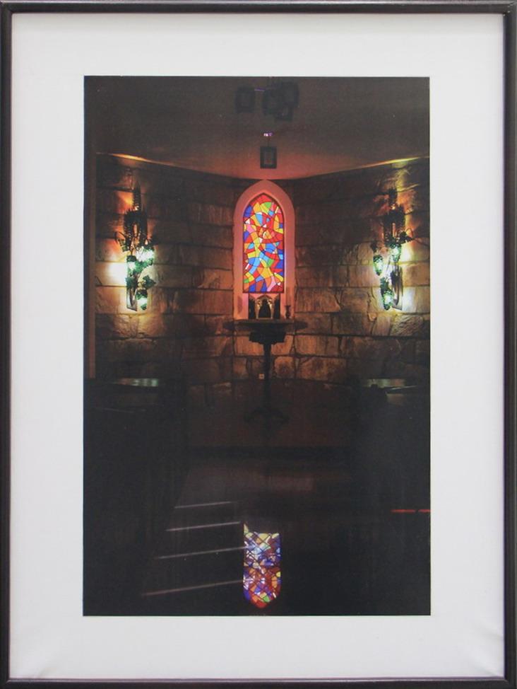 А. Ахмедшин. Витраж в часовне при административном здании Римкаой католической церкви.