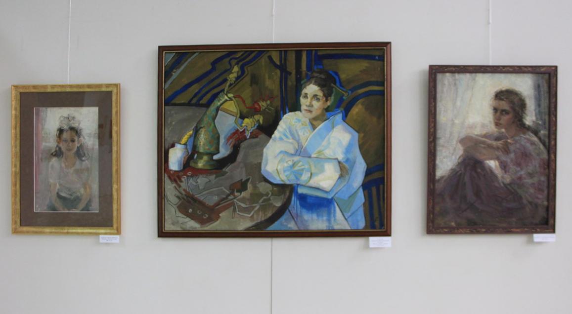 Гуля Громова. Экспозиция картин.