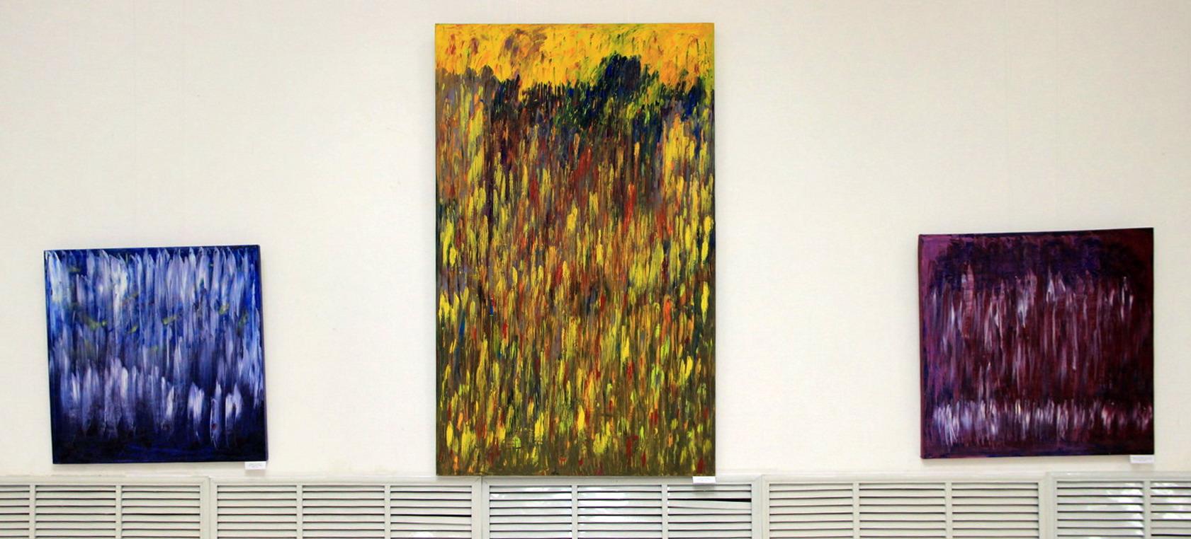 Расулов Н. Экспозиция картин