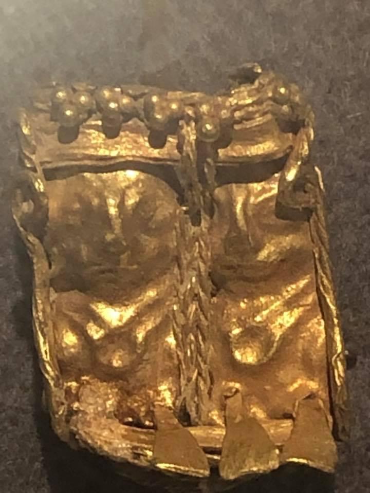 Кулон. III -I вв. д.н.э Золото.. (2)