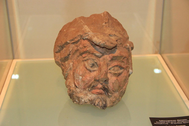 Скульптура. Фрагмент. Голова мужчины. Дальверзин тепа. II в. д.н.э. - III в. н.э