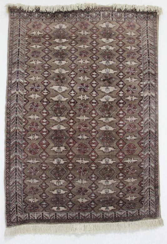 """Silk carpets"" шёлковые ковры. Самарканд. Узбекистан"