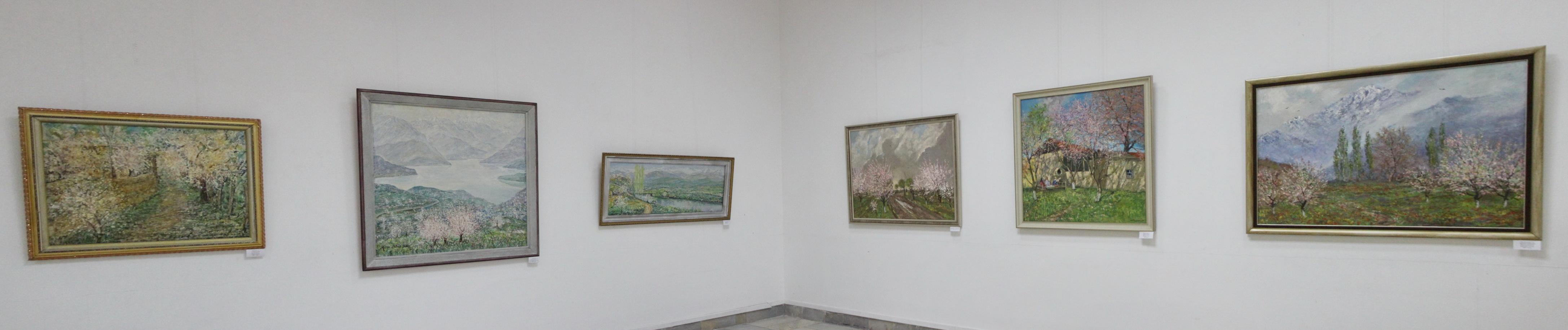 Экспозиция картин Мирсагатова А. и Мирзахмедова Х.