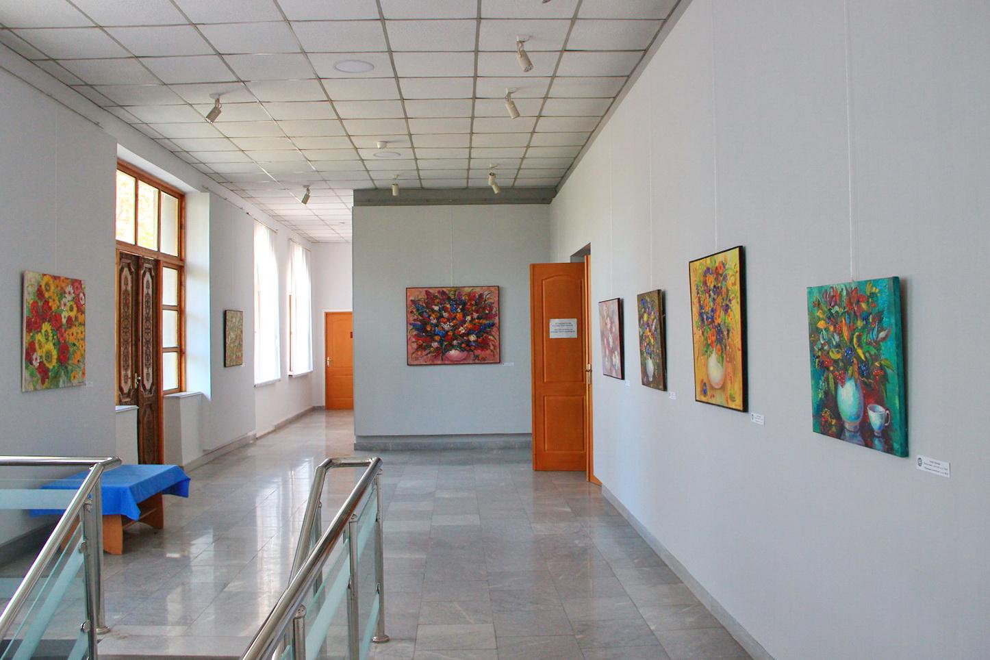 Экспозиция работ Оксаны Залевской.