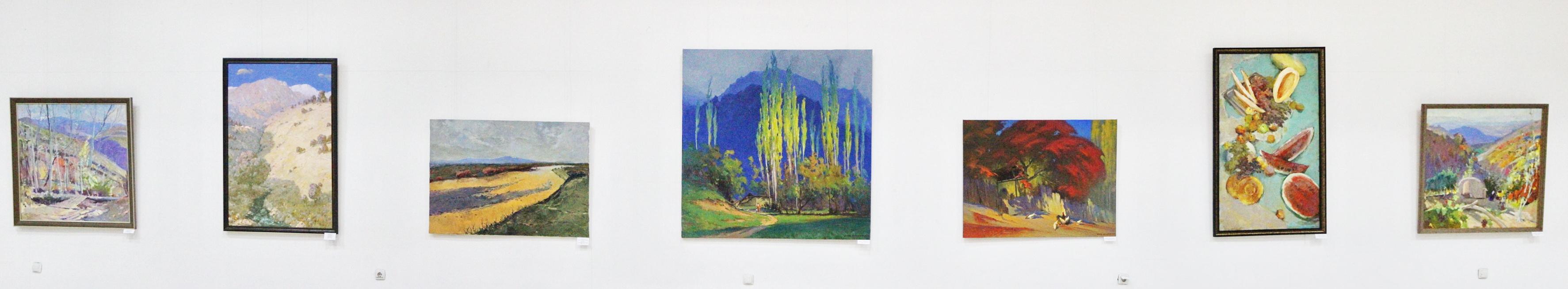 Центральная экспозиция картин