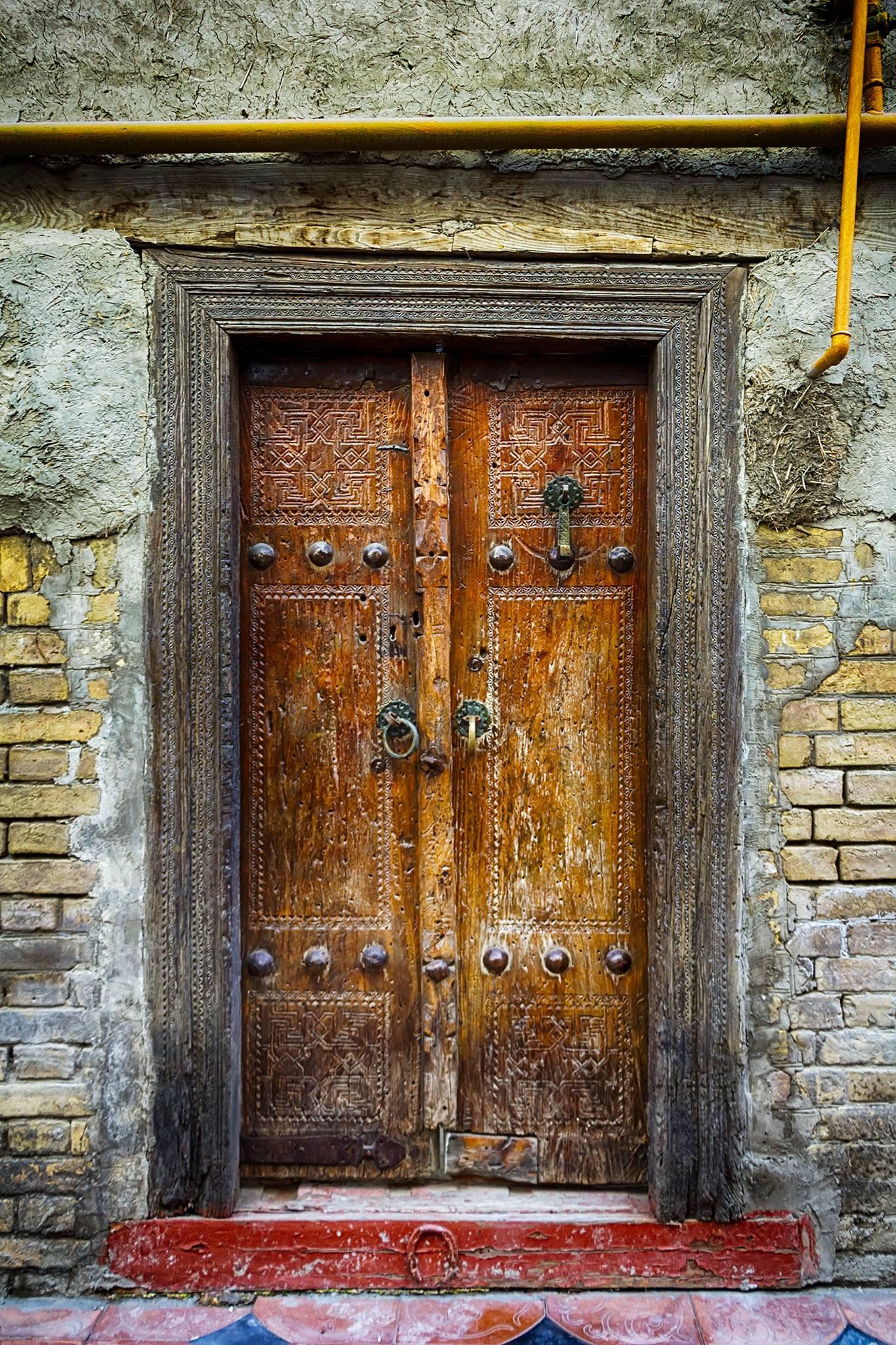 Ника Дмириева. Дверь в Бухаре