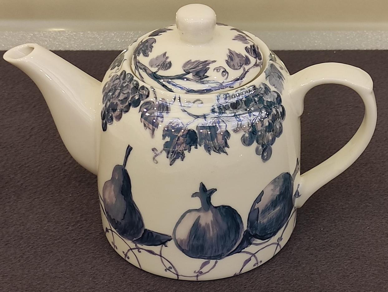 Римма Газалиева Авторская роспись по фарфору 6. Заварочный чайник