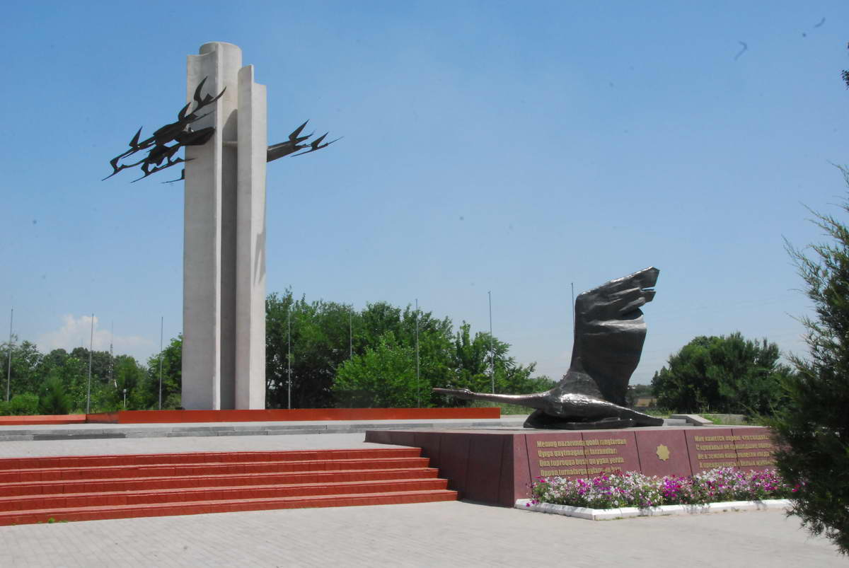 («Журавли») Фото из альманаха «Письма о Ташкенте»