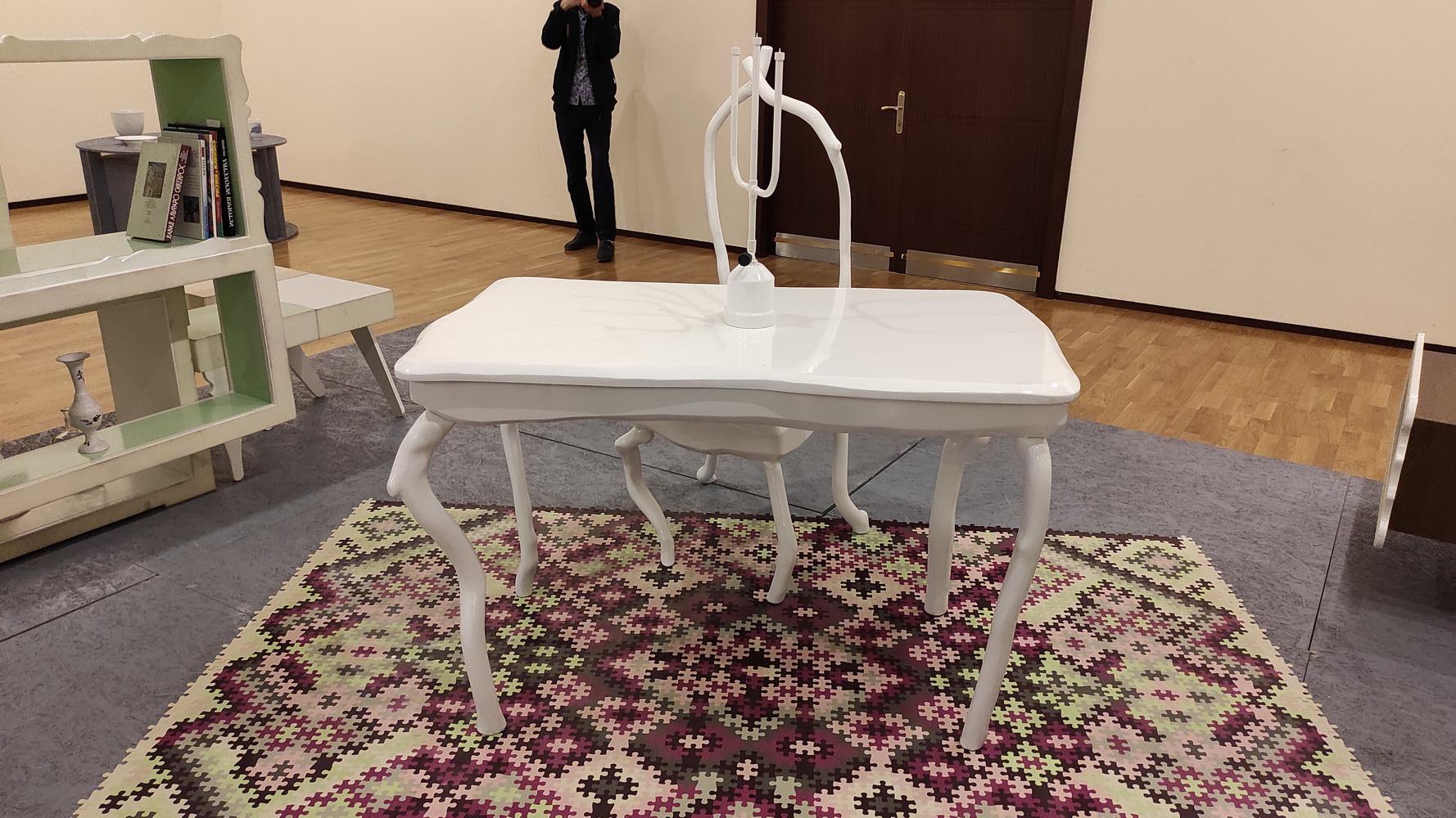 Ева Маркверре NIDO Серия столов и табуреток 2008